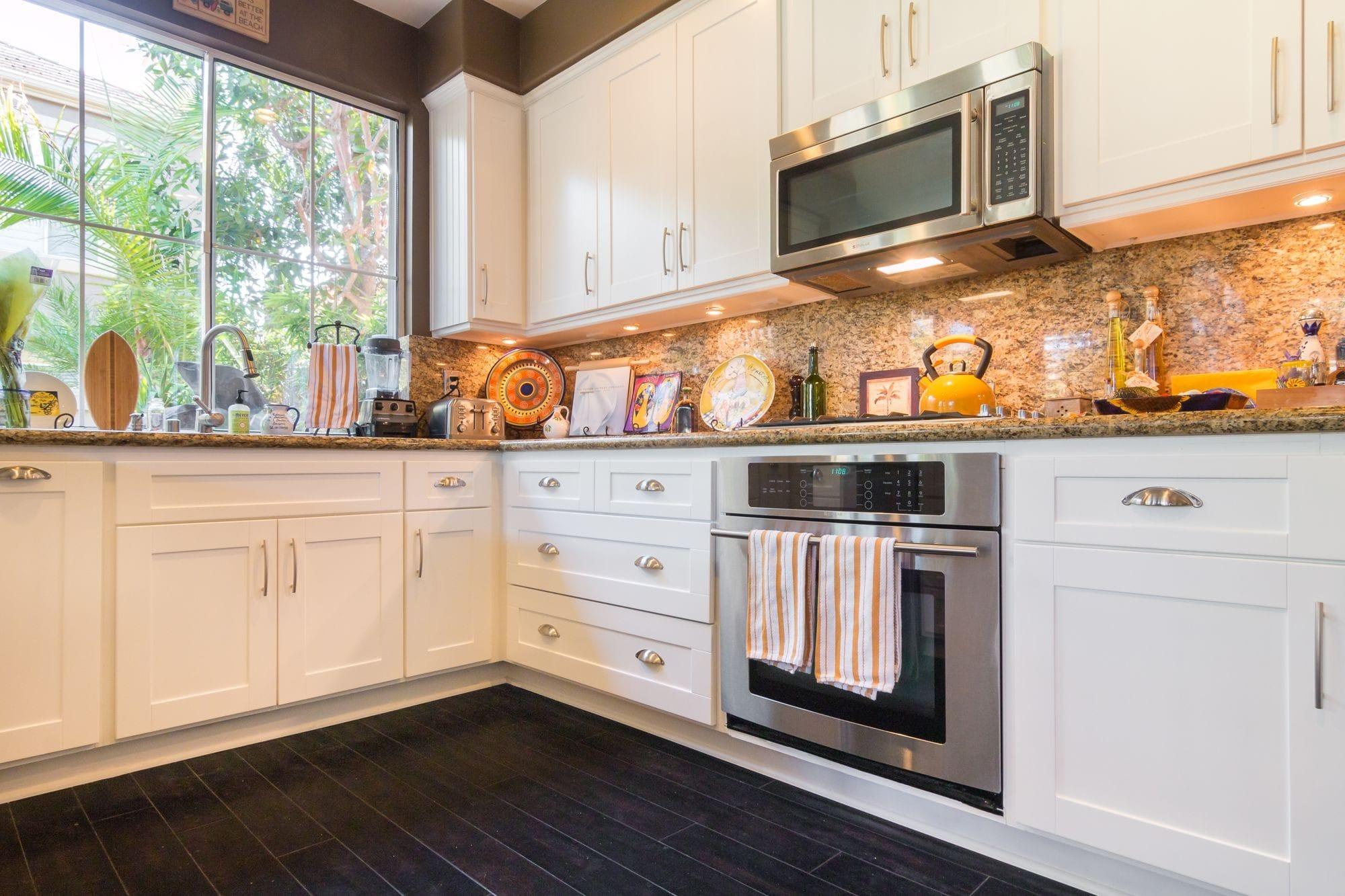 Kitchen Cabinet Refacing in Sun City, Arizona 85373