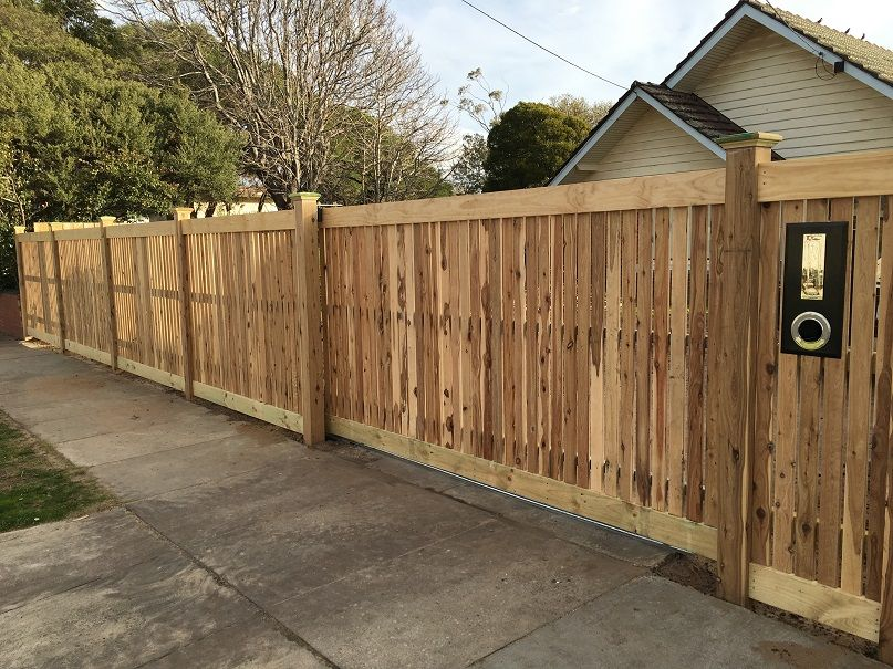 Home - Nailed it fencing Picket Fences, Paling and Merbau